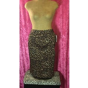 NWT Retro Leopard Print Pencil Skirt!